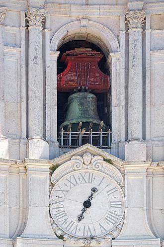 Южная башня-колокольня