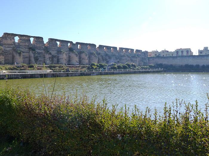 Мекнес. Водохранилище Агедаль
