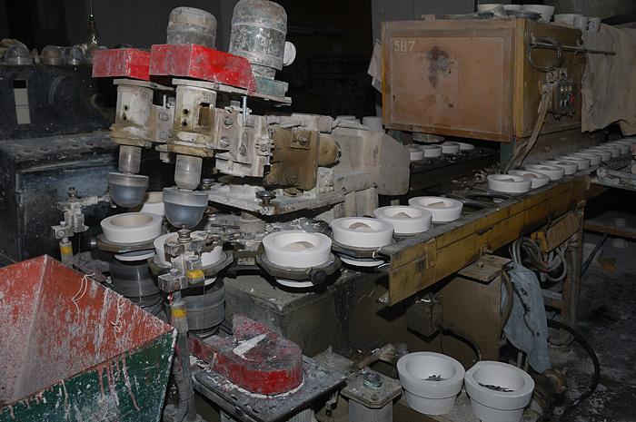 Механическая формовка фарфора
